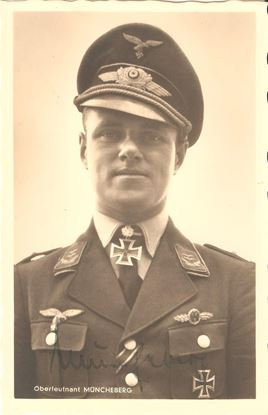 Picture of Joachim Muncheberg Wartime Signed Hoffmann Card